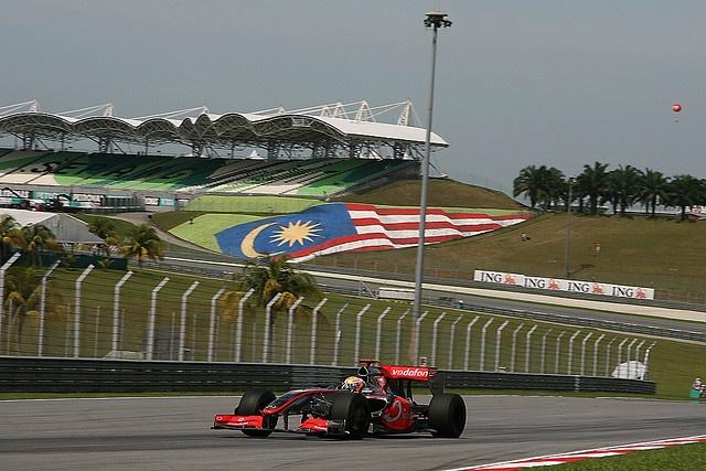 2009 Formula 1 Petronas Malaysia Grand Prix    April 03 - 05, 2009. Formula 1 Petronas Malaysian Grand Prix, Sepang, Malaysia. PhotoDesk-HAZRIN YEOB MEN SHAH
