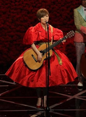 椎名 林檎(Ringo Sheena) Red dress