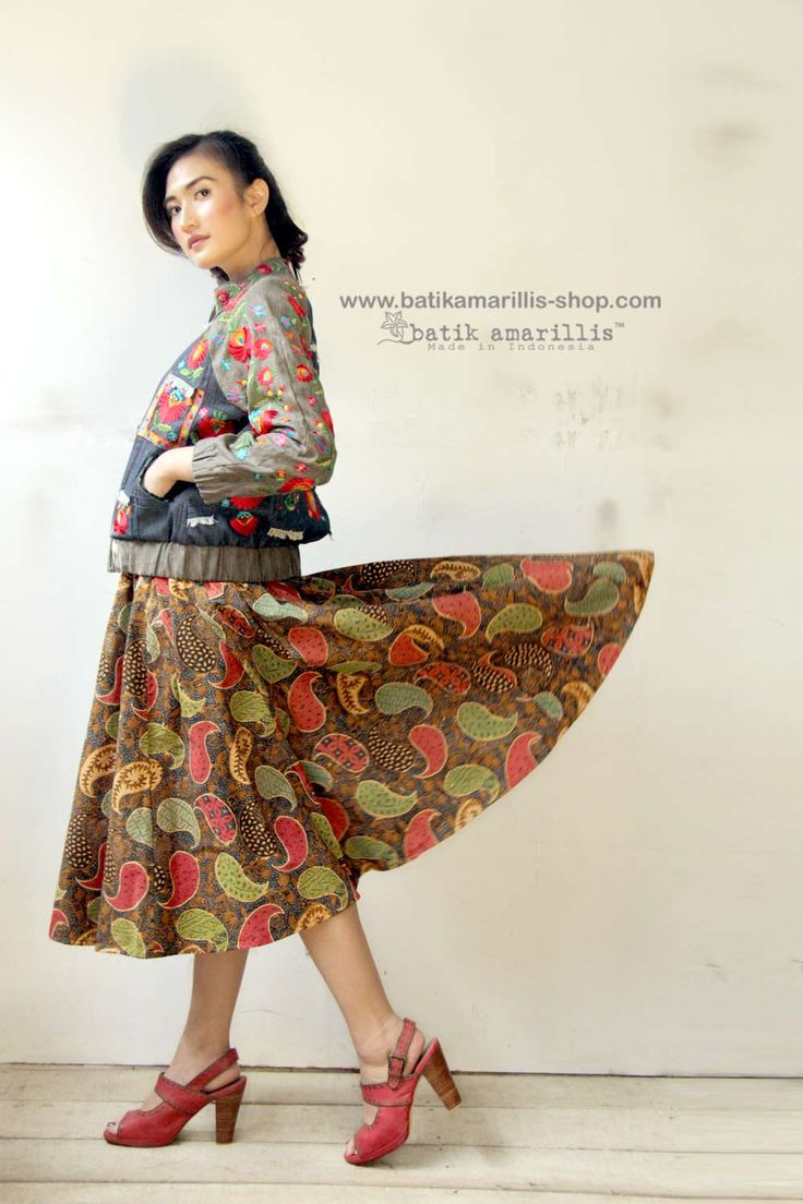 Batik Amarillis webstore www.batikamarillis-shop.com -Batik Amarillis's Anouk skirt  in classic Batik Ayam puger Banyumas Taking inspiration from flirty  70ies -80ies ,Batik Amarillis maintains its distinct modern-bohemia signature - modest  yet unabashedly romantic -it has lovely silhouette with full  skirt for a real stunner!