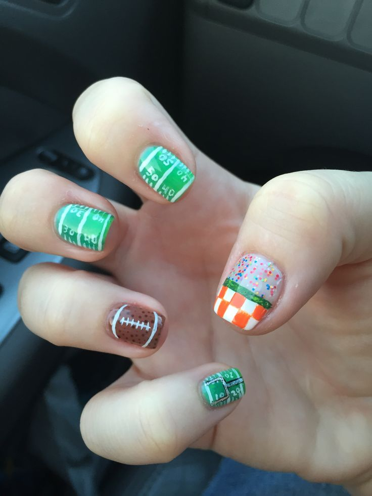 University of Tennessee nail 9/03/15