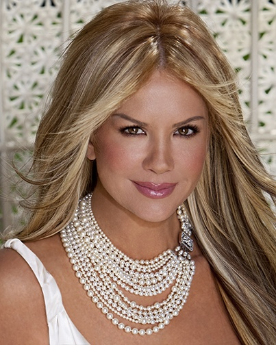 Can you take how GoRGEous? Nancy O'Dell!