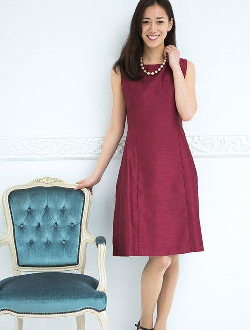 ノースリーブシャンタンフレアワンピースレディース女性ファッションワンピースサイズ:0/2/4/6/8/10/12大きいサイズ展開ありカラー:ブラック系/レッド系