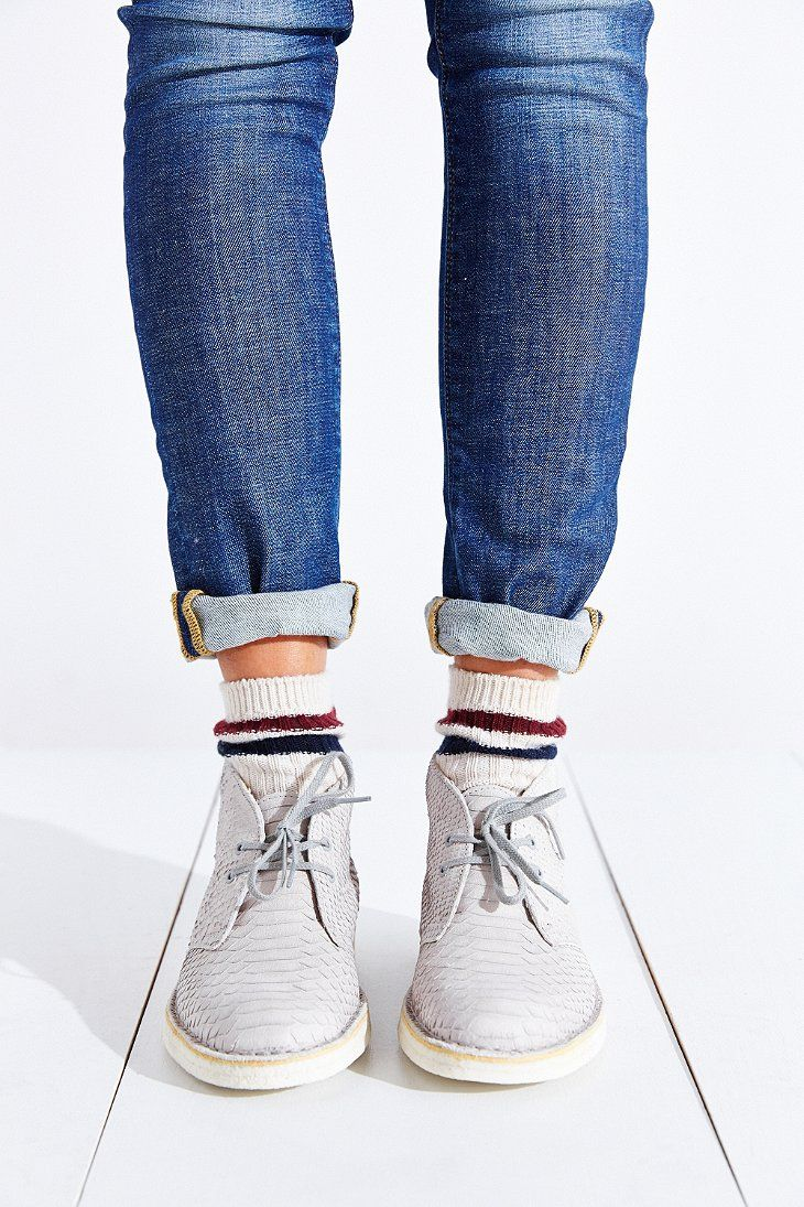 Clarks Leather Desert Boot - Urban Outfitters