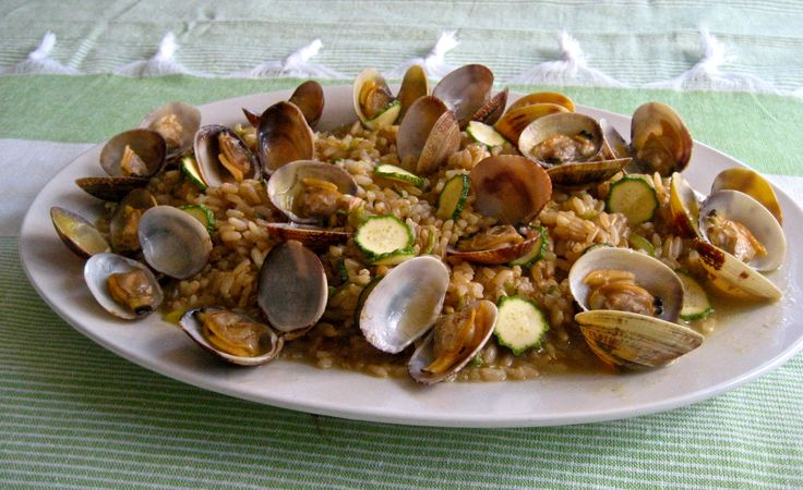 Brown short grain rice with clams
