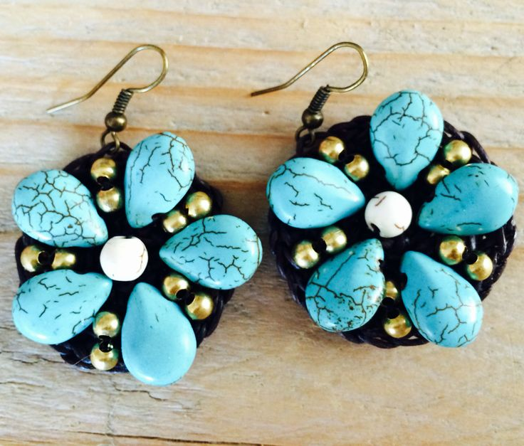 Turquoise Flower Bombs in waxed brown cotton.  Save to ware, Nickel and Lead free. €12,50
