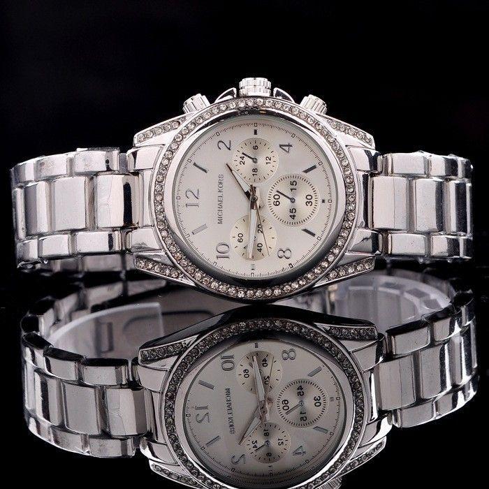 MW-7220 Luxurious Japan Movement Quartz Watch With Rhinestone #mechanical #man #watch #wristwatch #menwatch #malewatch #quartzwatch #rhinestone #fashion #famousbrand #brandwatch #watchfashion #brand #famous