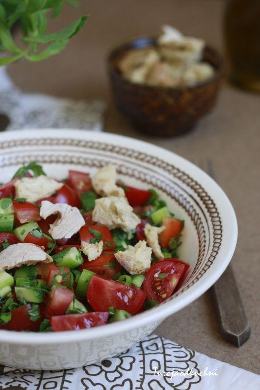 Turcja od kuchni: Sałatka z grzankami (sucharkami) - Fattoush