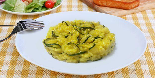 Risotto curcuma e zucchine - http://www.piccolericette.net/piccolericette/risotto-curcuma-e-zucchine/