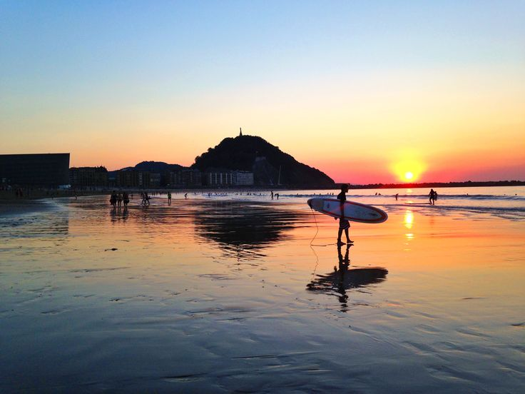 Sunset en la playa de la Zurriola