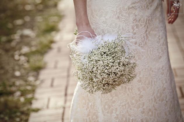 bukiet ślubny gipsówka