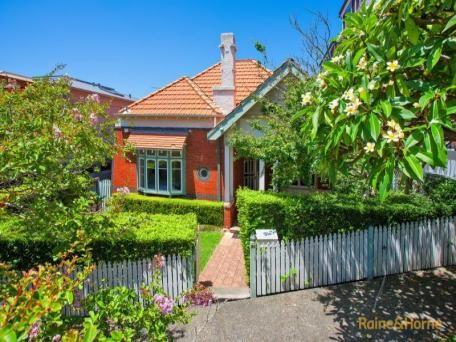 56 Upper Almora Street, Mosman sold 10/03/15 $2,275,000 4 B/R, 2 bath no parking