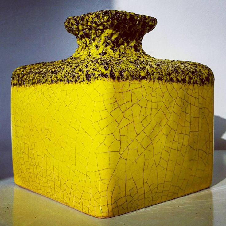 "Polubienia: 2, komentarze: 2 – modern (@modern_old2new) na Instagramie: ""XL yellow Silberdistel vase #yellow #silberdistel #yellowsilberdistel #keramik #pottery #ceramic…"""