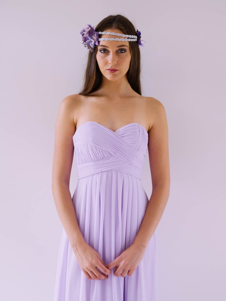A beautiful strapless gown. Just perfect for a Bridesmaid or Formal Maxi. Chiffon. Dry Clean only