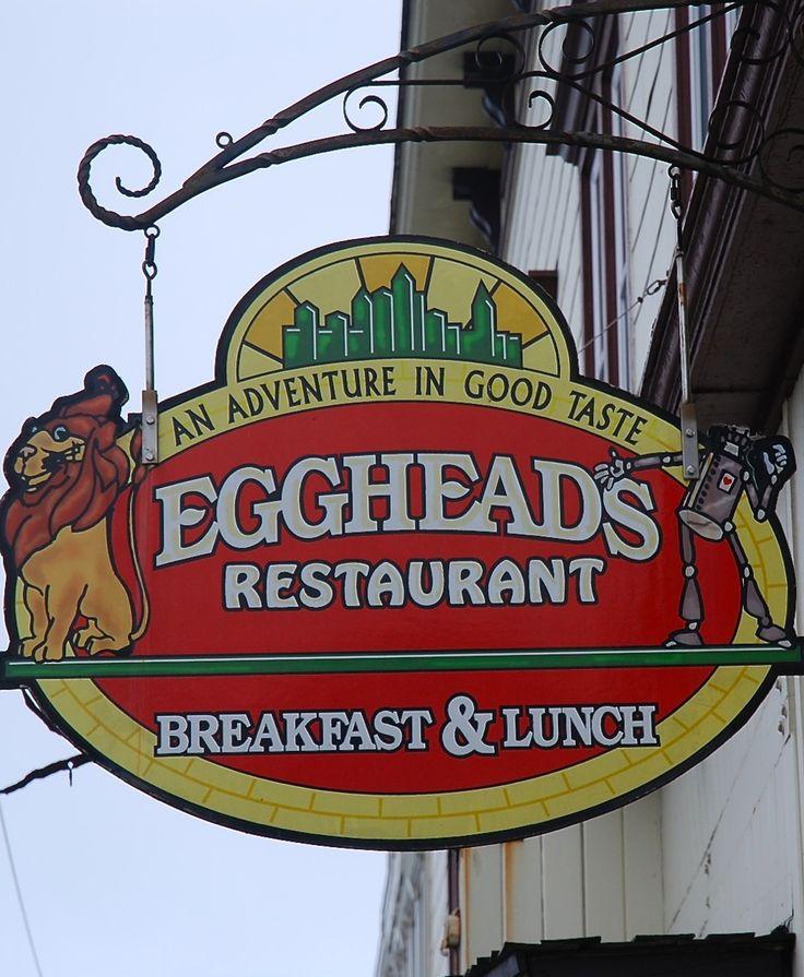 Egghead's ( A Dystopian OZ ) restaurant in Fort Bragg, California Zippertravel.com Digital Edition