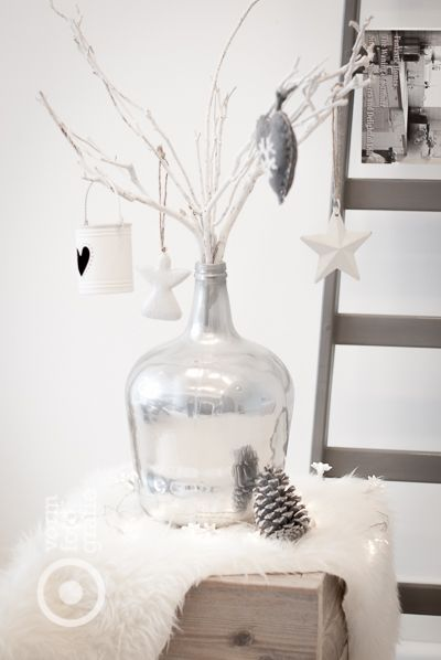 XMas decoration in a vase! White.