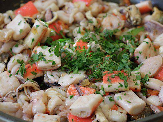 Si son amantes de los mariscos, no se queden antojados! Solo sigan el paso a paso. Una receta deliciosa, con mucho sabor y con un colorido maravilloso!