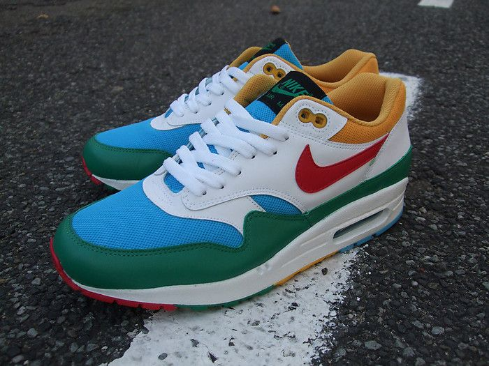 3 days ago I finally received a pair of replica Nike Air Max from AliExpress I bought them for 46$ incl shipping from China. Seller agreed to set the tax /commercial invoice to 12$ in China, to avoid further expenses in Danish customs. The picture above is of the Replica Air Max shoes I received …