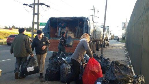 Envio de donaciones a misiones ciudad de posadas13 del junio 2014  www.cruzadaporlavida.com