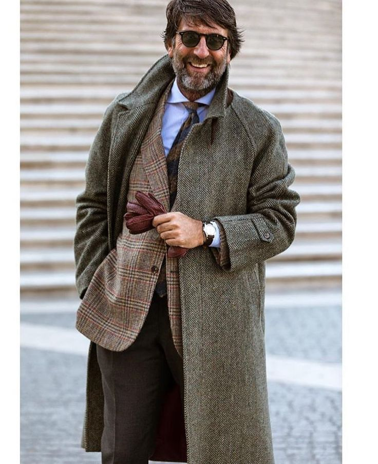 "648 gilla-markeringar, 4 kommentarer - Pitti Uomo (@pitti_uomo_) på Instagram: ""#style #fashion #wear #menfashion #bileklik #menstyle #menswear #ootd #suit #suitandtie #gentlemen…"""