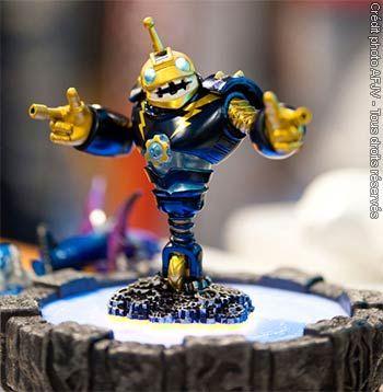 Skylanders Giants meilleure vente jeux vidéo Europe et US - Skylanders représente à ce jour le plus important jeu vidéo avec jouets et accessoires et la collection de figurine la plus étendue de l'industrie du jeu en Europe et aux Etats-Unis pour cette année.