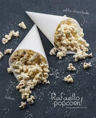 Rafaello popcorn met witte chocolade en kokos