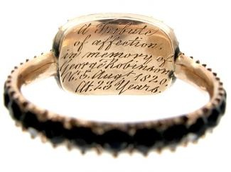 A Georgian era mourning ring with dedication engraved under the bezel, c1820