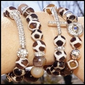 OBSESSED with beaded stretchy: tibetan giraffe