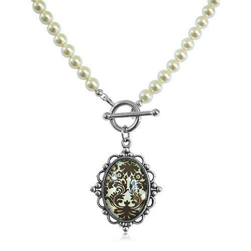 TOGGLE NECKLACE WITH SWAROVSKI PEARLS AND A RESIN CABOCHON WITH BROWN BAROQUE STYLE PATTERN