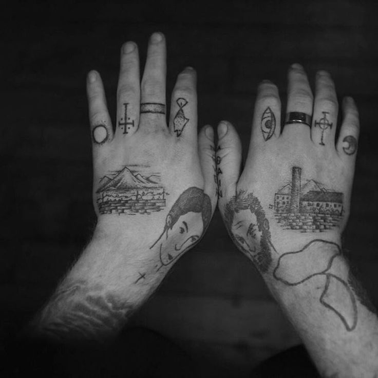Added this two landscapes on Tom s hand. Thank you! (Fingers not by me)  Culturaldisease@servadio.com