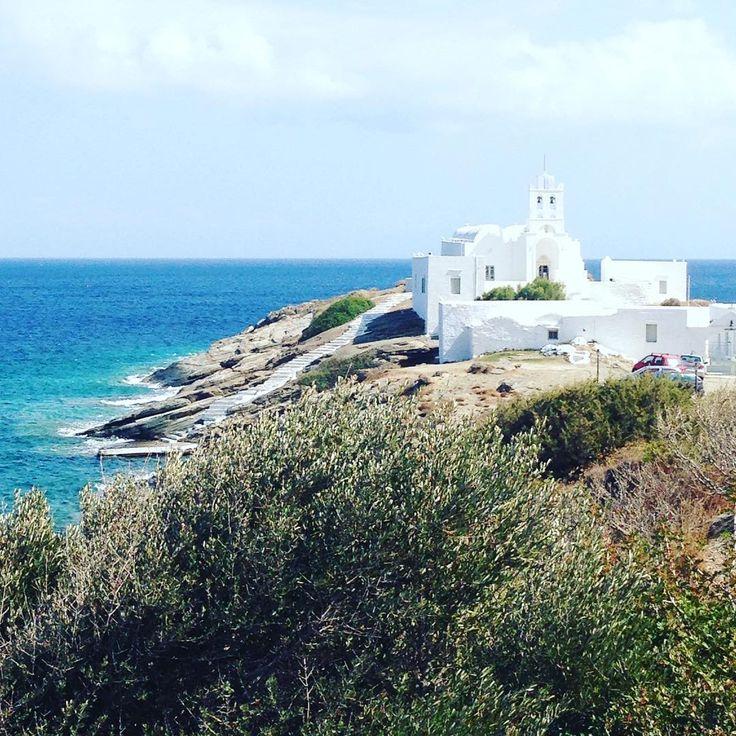 Sifnos Island, Greece. Áncora uno scorcio della bellissima Chrisopigi per voi! #ateniesipercaso #chrisopigi #grecia #sifnos #monastero #greece #island #love #discovergreece
