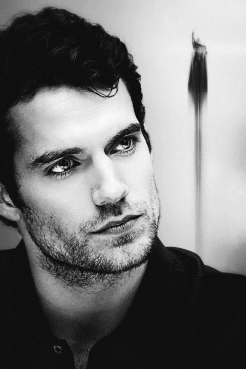 good lord, sir, control your beautiful features in public, please... <3 Henry Cavill