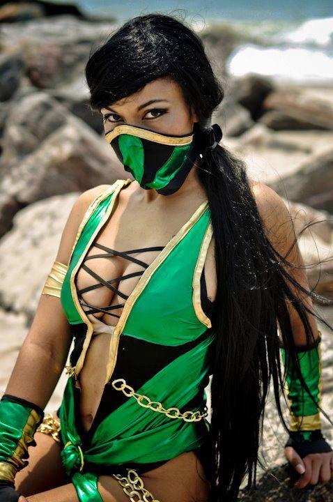Mortal Kombats Jade Cosplay at Otakon 2013 by GamerZone18