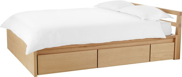 Adams seng m/6 skuffer til oppbevaring i heltre eik og eikefiner.  Finnes i flere størrelser:  B90cm kr. 8610,- / B140cm kr. 11.645,- / B160cm kr. 13.165,- / B180cm kr. 14.500,-