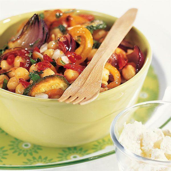 Ein Paradebeispiel dafür, dass Hülsenfrüchte alles andere als langweilig sind und nur deftig zubereitet werden können. Mediterran, leicht und sehr sät...