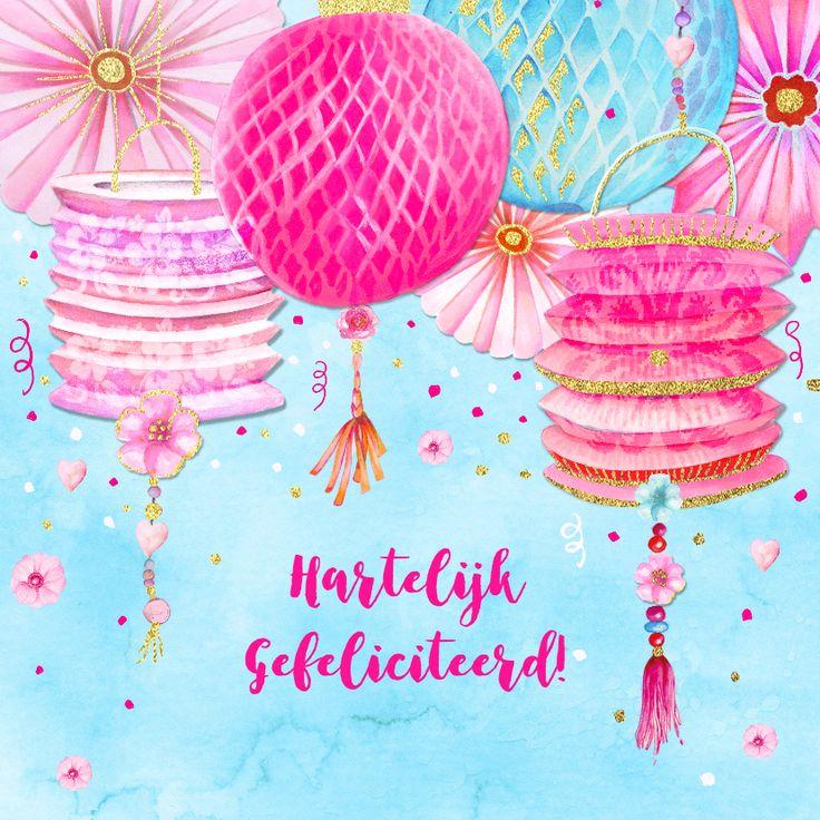 Verjaardag met leuke vrolijke lampionnen in roze tinten op aquarelachtergrond en versierd met bloemetjes