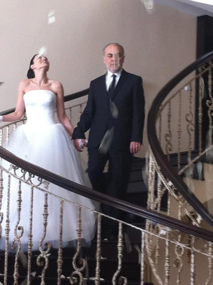 Evim Sensin Fahriye Evcen Gelinlik Wedding Dress Basında