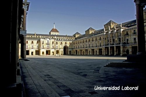 Gijón - Plaza de la Universidad Laboral