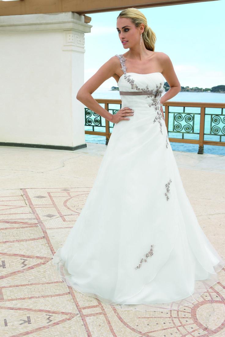 17 best Ladybird images on Pinterest | Hochzeitskleider, Modell und ...