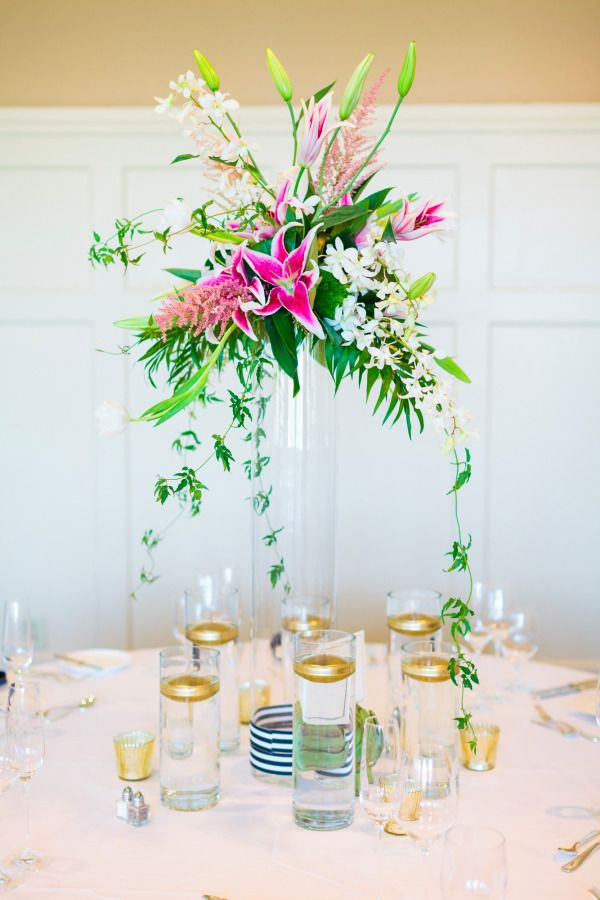 8 tips to beautiful wedding flowers on a small budget wedding flowers budget and a small. Black Bedroom Furniture Sets. Home Design Ideas