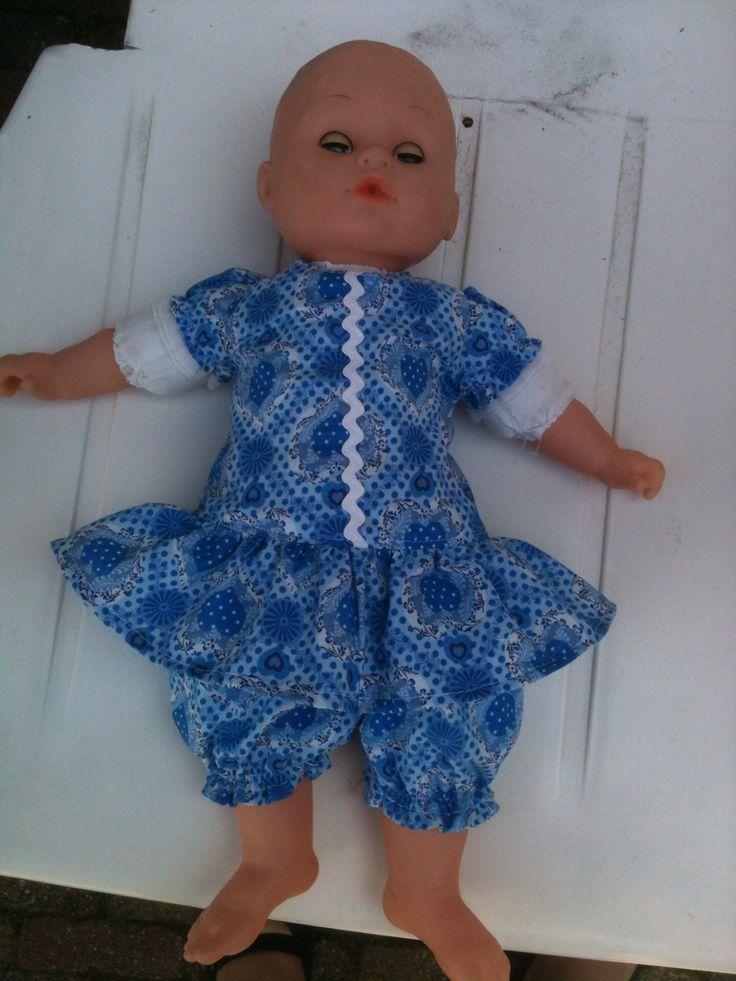 Deze pop wilde ook een nieuw setje....