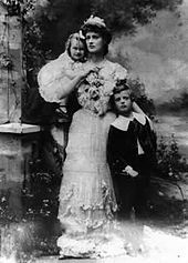 Constance Markievicz with Maeve and Nicolas