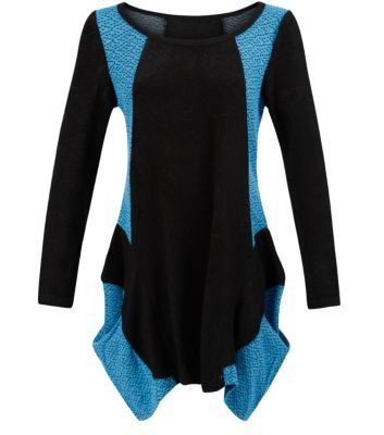 """Mandi. Give your evening wardrobe an edgier feel with this blue contrast side panel top - add biker boots to finish.- Blue contrast panels- Black panels- Triangle print on contrast panels- Simple long sleeves- Round neck- Ruffled hem- Model is 5'8""""/176cm and wears UK 10/EU 38/US 6"""