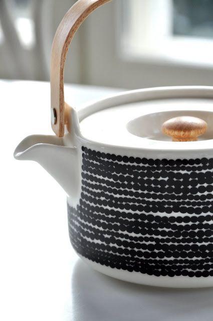 Marimekko Tea Pot Siirtolapuutarha, tea will always taste good.