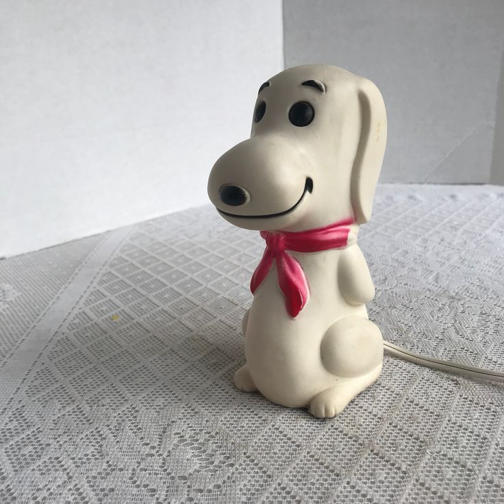 Snoopy Night Light / Vintage Light Up Rubber Dog Night