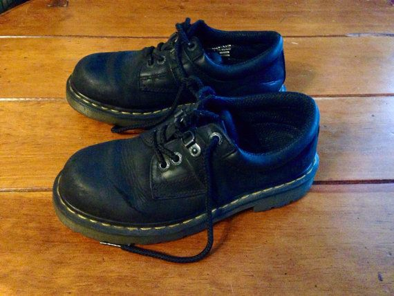 Dr Martens uk 5 us mens 6 us womens 7 black lace by VintyThreads