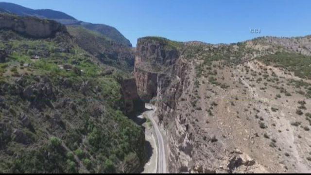 """Artvin Dünyanın İkinci Büyük Kanyonu Olan """"Cehennem Deresi"""" Kanyonunuyla Turist Çekmeyi He…: Artvin Dünyanın İkinci Büyük Kanyonu… #Haber"""