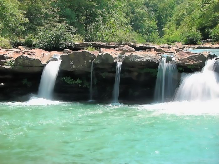 14 Waterfalls in Arkansas - Kings River Falls: Located in the Kings River Falls Natural Area south of Huntsville, Kings River Falls is found on the area�s hiking trail, approximately two miles in length.  It is rated easy to moderate; not accessible for those with physical limitations. About one-half mile down the trail is where you�ll find the falls. The Kings River is unique for the Ozarks because it flows from south to north. To reach the natural area from the community of Boston on ...