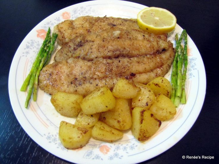 Creamy Dory in Butter and Lemon sauce with boiled Potatoes and Asparagus!