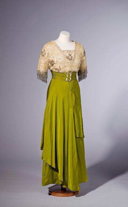 1910 s Lady Ostapeckin pukuja | Museokeskus Vapriikki | Museo Finna