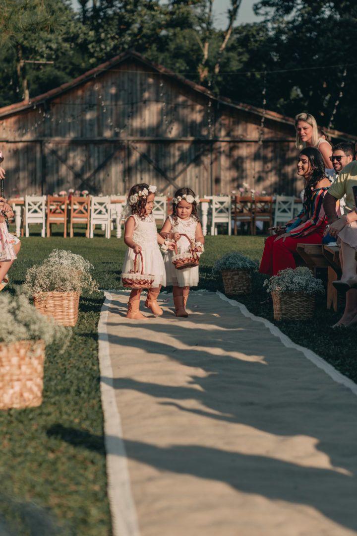 Casamento rústico ao ar livre: Sara e Matheus   – Wedding LUNA